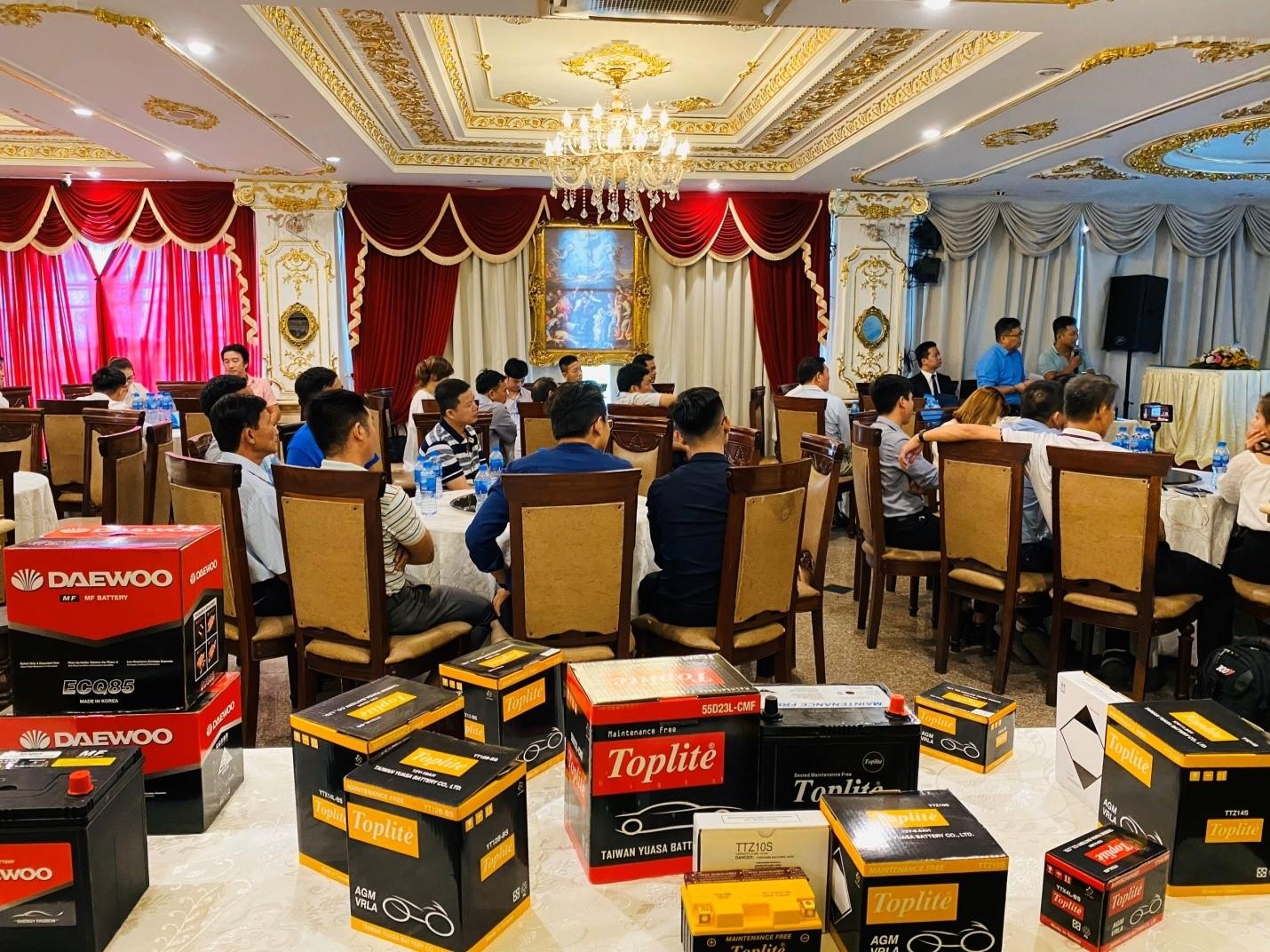 Cận cảnh những mẫu bình ắc quy Toplite – Yuasa Đài Loan